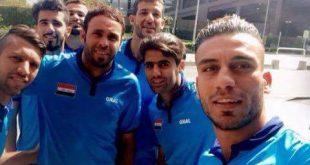 سيلفي لاعبين المنتخب العراقي قبل مواجهة اليابان