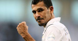 عاجل اختيار يونس محمود ضمن افضل 10 لاعبين في تاريخ اسيا