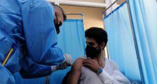 صور الاولى عمليات التطعيم ضد فيروس كورونا في العراق
